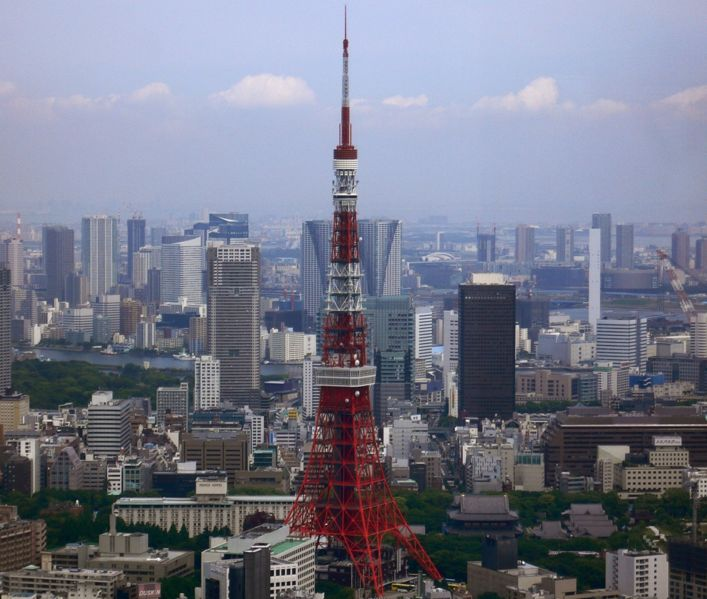707px-Tokyo_Tower_and_around_Buildings